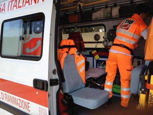 """Napoli, operatori dell'ambulanza al bar invece di lavorare. Borrelli: """"Vite a rischio"""""""