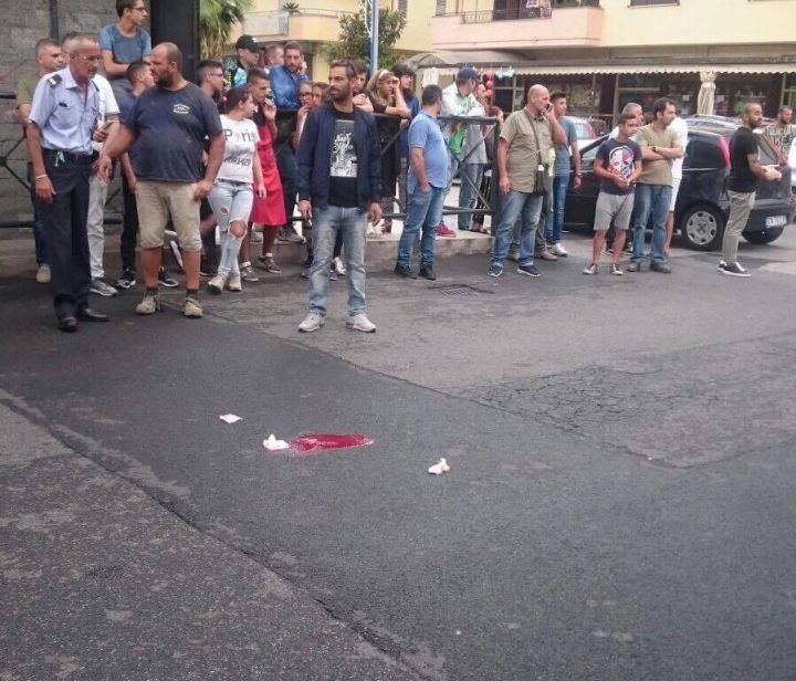 Villaricca, uomo investito da auto di passaggio: corsa all'ospedale