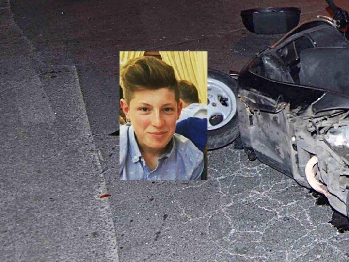 Marsala, abbatte cartello stradale dopo essere stato travolto da un'auto: morto 17enne