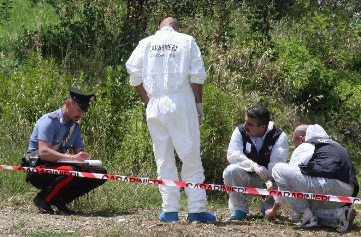 Ritrovato il cadavere di un 25enne, sul posto i carabinieri