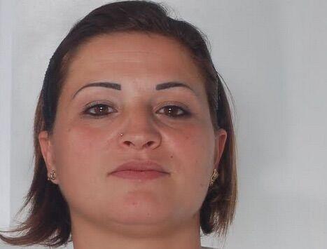 """Torre del Greco, gestisce lo spaccio in assenza del marito """"carcerato"""": arrestata 32enne"""