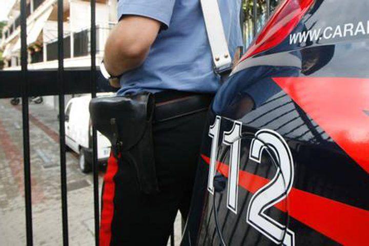 Aversa, piazza di spaccio in casa: arrestati padre e figlio