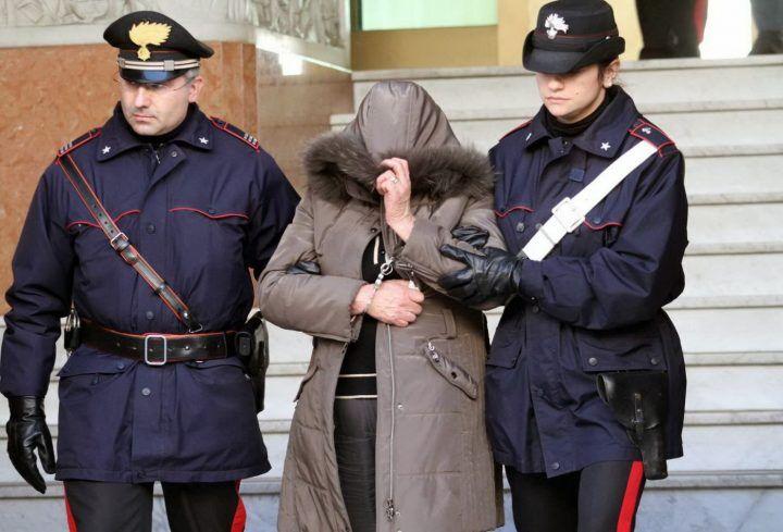 Aggressione con acido e coltello in casa dell'ex, arrestata donna di Sant'Antimo