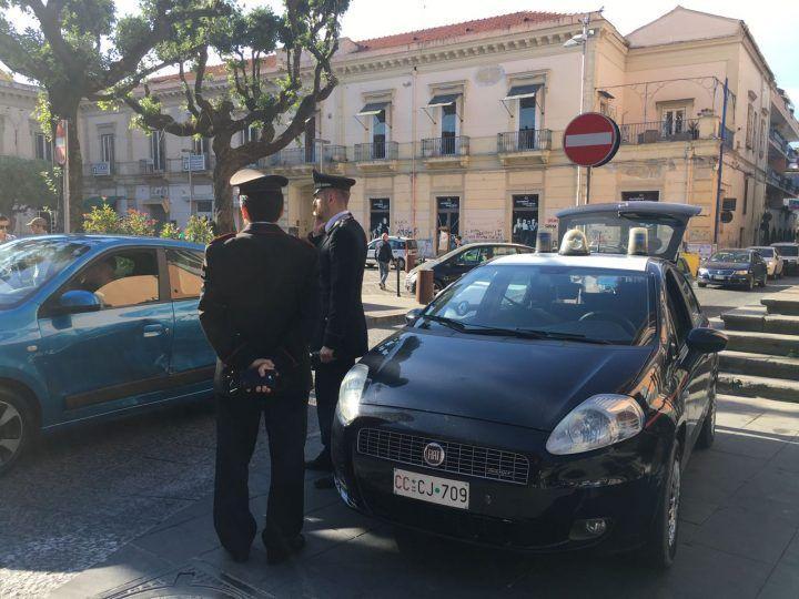 Giugliano, evade dagli arresti e va a zonzo in città: 36enne in manette