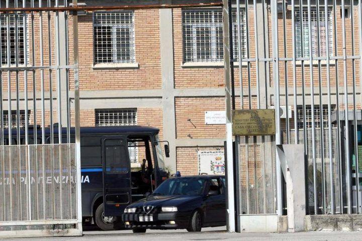 """Detenuto evade dal carcere in Campania: """"Fuga annunciata"""". Rintracciato dai carabinieri"""