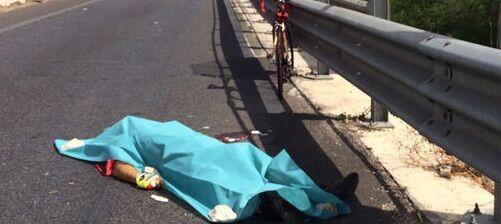 Marcianise, tragico incidente: centauro di Giugliano investe e uccide ciclista