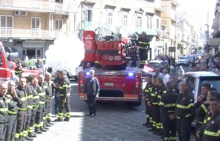 L'addio a Giuseppe Palma, il vigile del fuoco ucciso