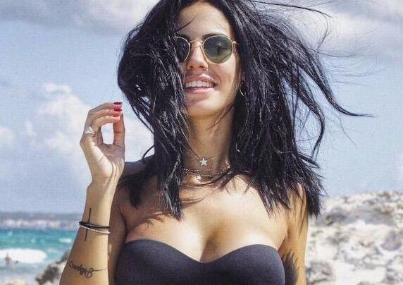 Giulia De Lellis: età, bio wikipedia, fidanzato Andrea Damante, foto hot. FOTO