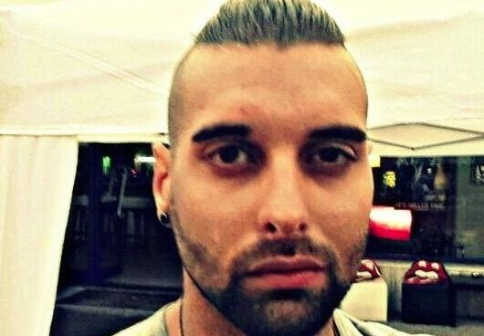 Mondragone, ferito con colpo di pistola alla testa: noto barman muore a 26 anni
