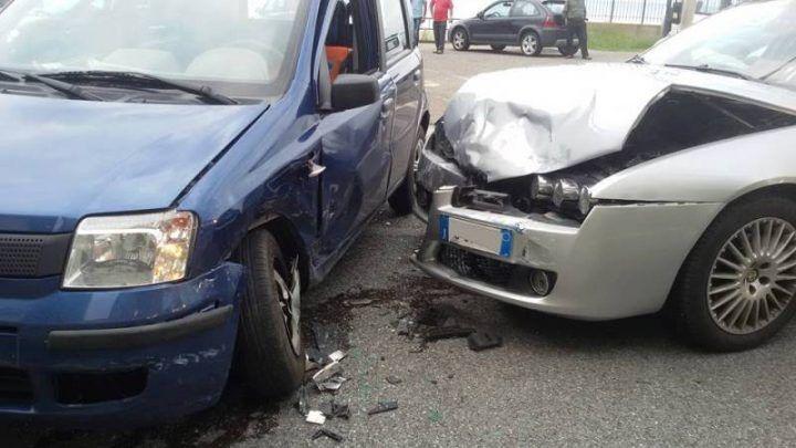 Battipaglia, romeno ubriaco si schianta contro un'auto: morto 60enne