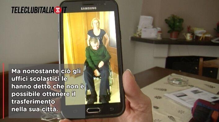 Giugliano, l'insegnate Rosetta: mio marito disabile, io trasferita a Firenze