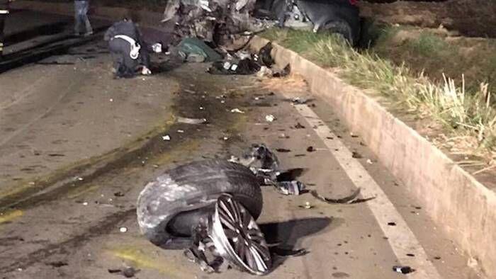 Scontro frontale tra due auto sulla provinciale: morto un uomo