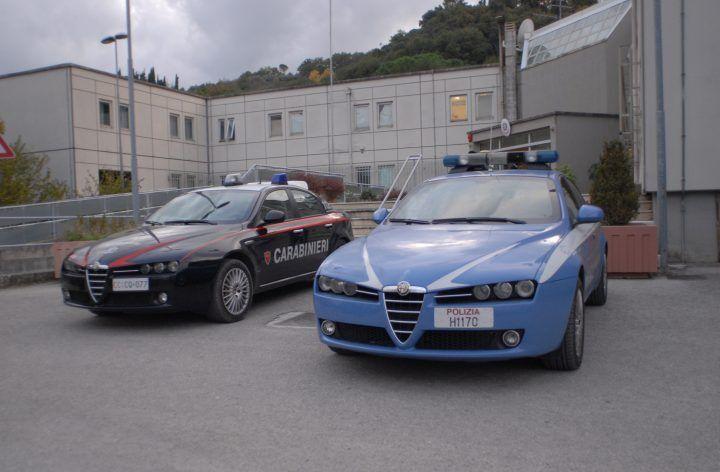 Polizia e Carabinieri in cerca di armi e droga: 100 uomini in campo tra Napoli e Salerno