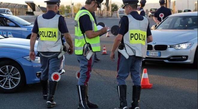 """""""Patenti facili"""" a Napoli, nei guai 30enne: il trucco"""