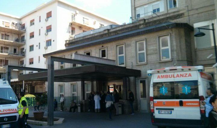 Palermo, al pronto soccorso per una caduta viene dimessa. Poco dopo muore in rianimazione