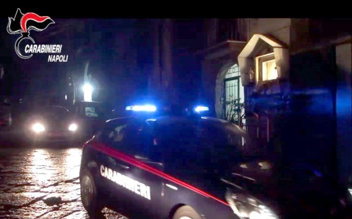 Napoli, Carabinieri interrompono riunione di camorra: arrestato uomo armato
