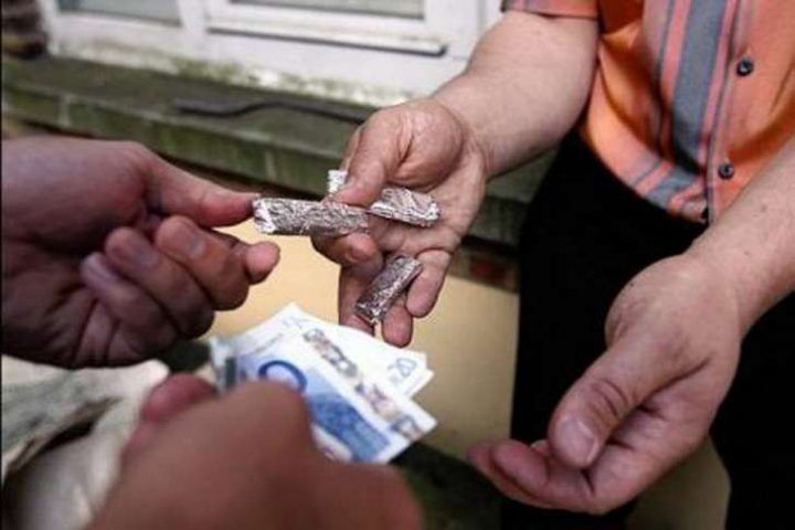 Marcianise. Scoperta a spacciare droga: presa 31enne di Afragola. Il nome