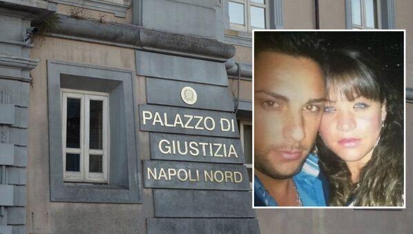 """""""Giustizia per Stefania"""", uccisa dal marito: alla sbarra il killer. Sit-in al tribunale di Napoli Nord"""