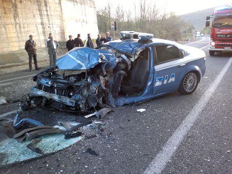 Due poliziotti morti Chiamati per una rissa