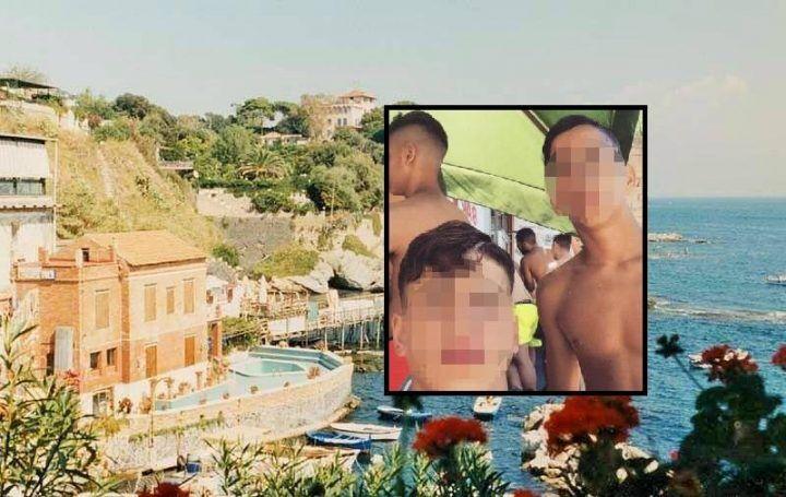 """Stupro di Marechiaro, nuovi agghiaccianti particolari: """"Ridevano mentre quello mi violentava"""""""
