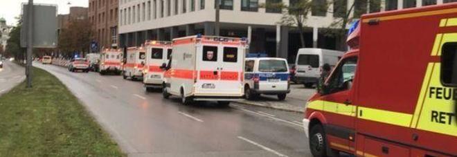 Germania, torna l'incubo terrorismo: attacco con coltello a Monaco. Diversi feriti