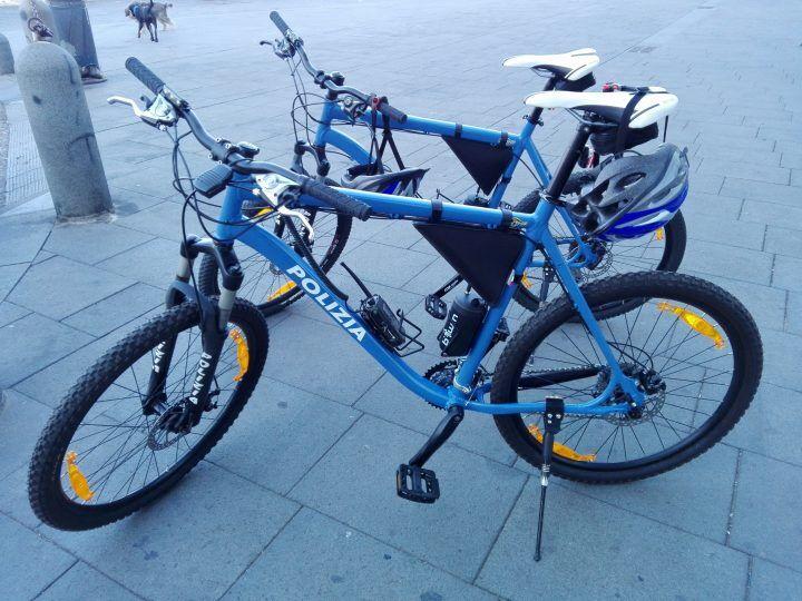 Napoli, al Vomero arrivano i poliziotti in mountain bike