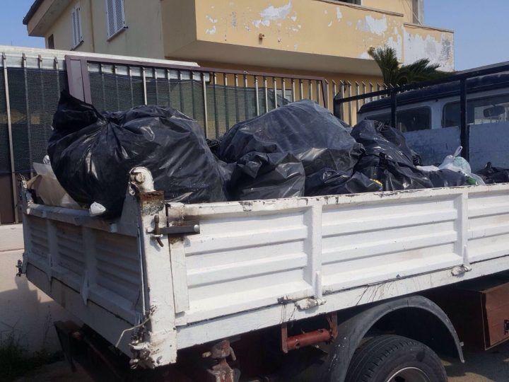 Giugliano, smaltiva rifiuti sul Lago Patria: fermato e denunciato