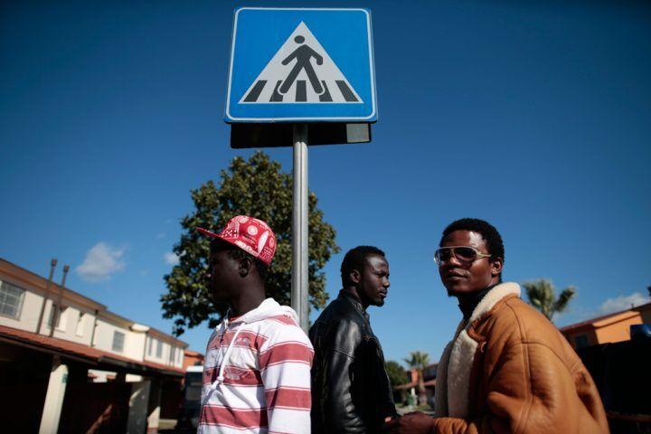 Camaiore, centro di accoglienza hot: viavai di donne per fare sesso con i migranti