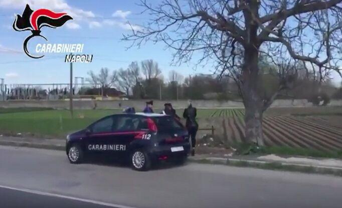 Acerra, i carabinieri si travestono da cacciatori e arrestano 29enne: era l'incubo di 4 ragazze. VIDEO