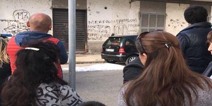 Afragola, precipita dal balcone di casa: Angela Russo muore suicida