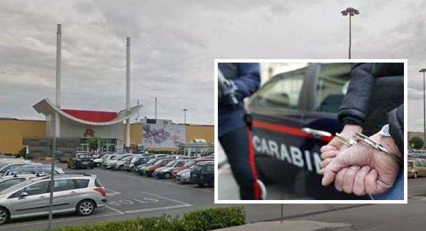 Giugliano, tenta il furto di un pc all'Auchan: arrestato