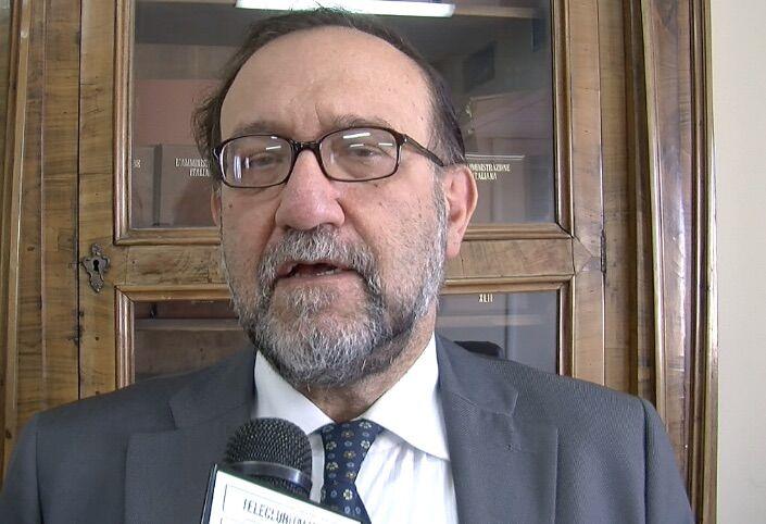 """Spari per spaventare il dirigente a Sant'Antimo: """"Pronti a scendere in piazza"""""""
