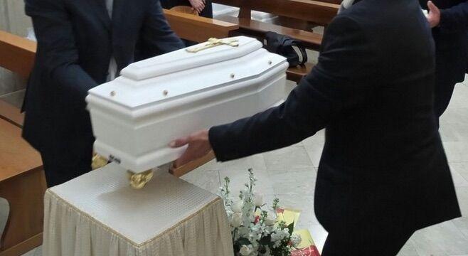 Napoli, Pasqualino muore di meningite a due anni
