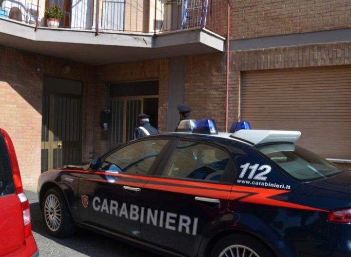 Giallo a Caserta, trovato morto in casa della sorella: a insospettire un particolare