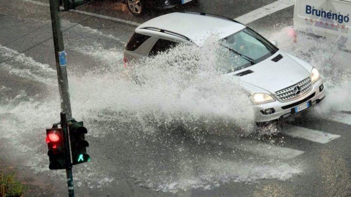 Campania, allerta meteo dopo le 20 nelle seguenti zone: temporali e raffiche di vento
