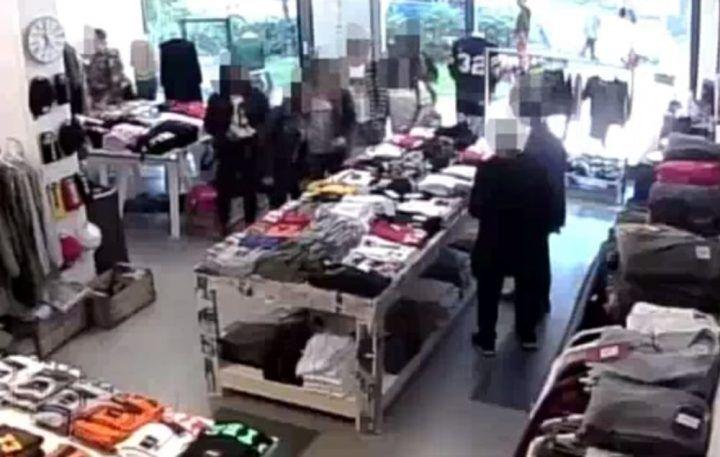 Agro Aversano, rapina in un negozio di abbigliamento: arrestata 17enne di Giugliano