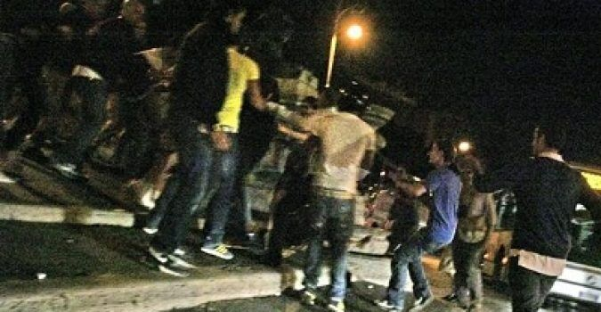 Follia ad Aversa, rissa finisce in sparatoria in pieno centro. C'è un ferito
