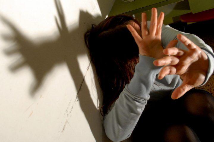 Milano, molestate da un branco di minorenni: fermato un 15enne