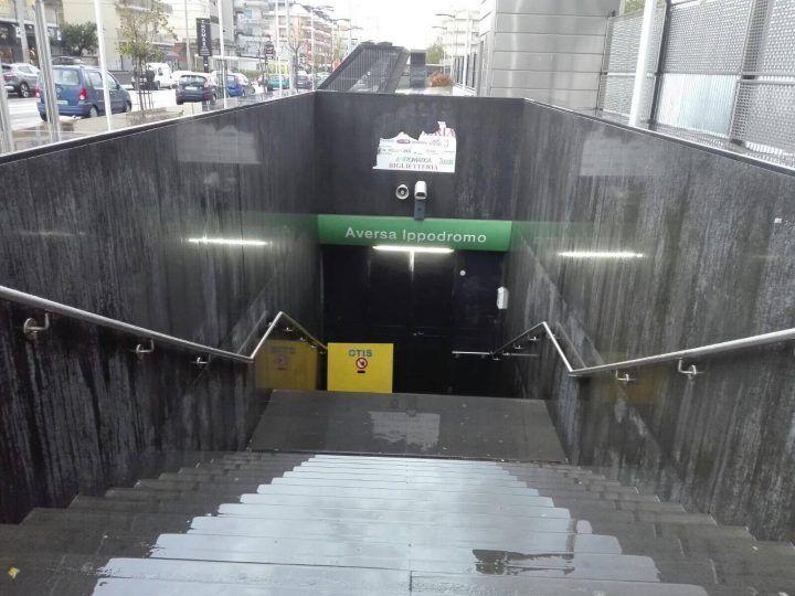 Maltempo, metropolitana in tilt tra Aversa e Piscinola: chiuse due stazioni