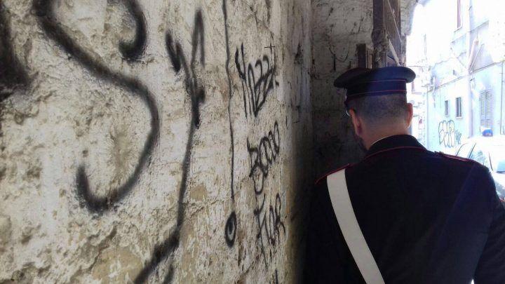 Blitz a Qualiano, smantellata piazza di spaccio in via Campana: tre arresti. I NOMI