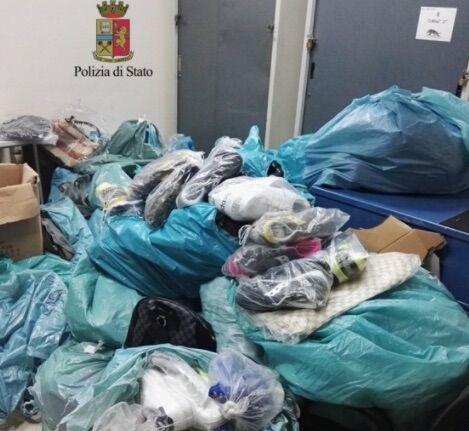 Napoli, maxi sequestro di merce contraffatta: tre denunciati