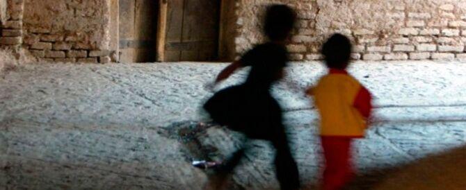 Bari, violentano i figli di 5 e 9 anni: arrestati marito e moglie
