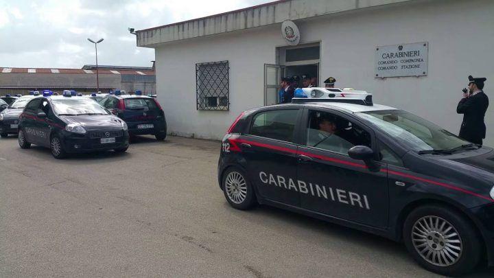 Mondragone, pedinano l'ex fidanzata e trovano latitante: arrestato