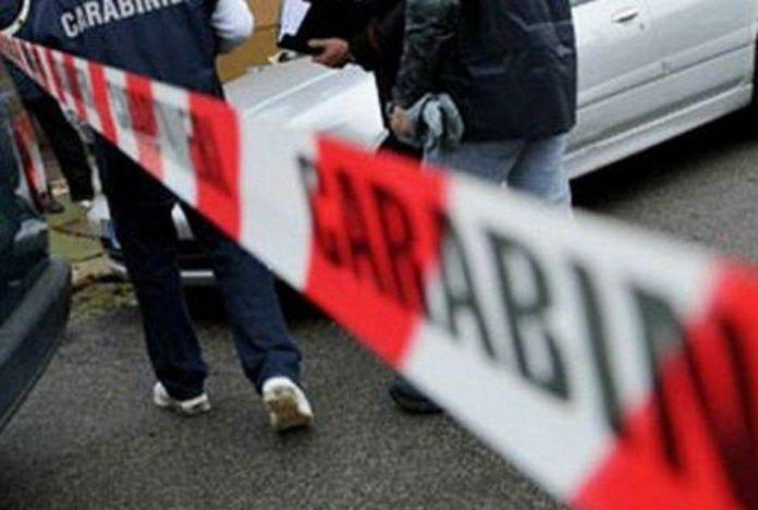 Coniugi uccisi nel casertano, il figlio si è allontanato su un'auto