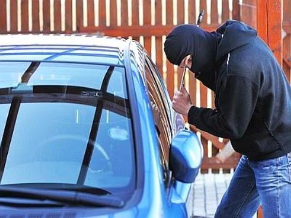 Ladri di macchine: scoperto e arrestato 30enne