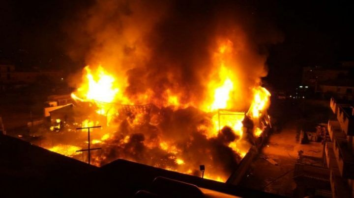 Aversa, fiamme in un deposito: un morto nell'incendio