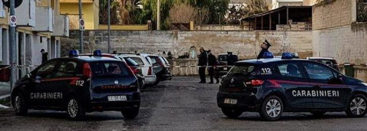 Colpi d'arma da fuoco in strada: morta una donna, ferito un 20enne