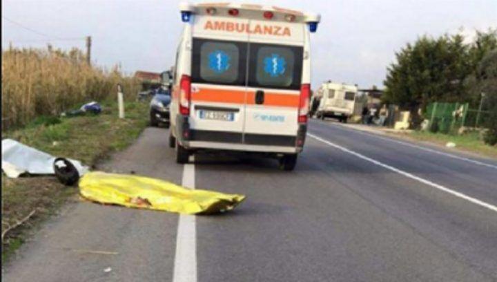 Giallo sulla Domitiana, cadavere di un uomo trovato ai margini della strada