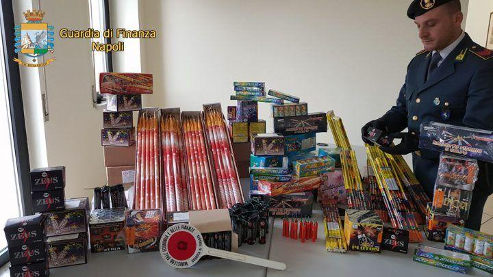 Capodanno, fuochi d'artificio illegali: sequestrati 500 chili nel napoletano