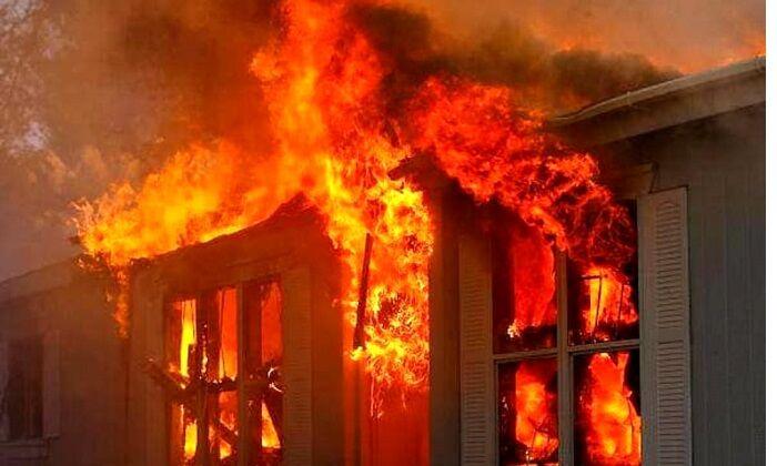 Salita Tarsia, donna di 88 anni morta in un incendio